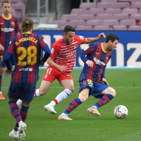 Barca thua ngược Granada trên sân nhà