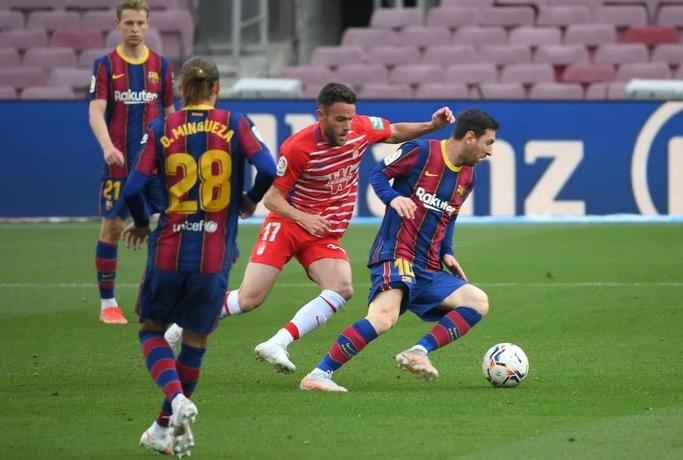 Barca thua ngược Granada
