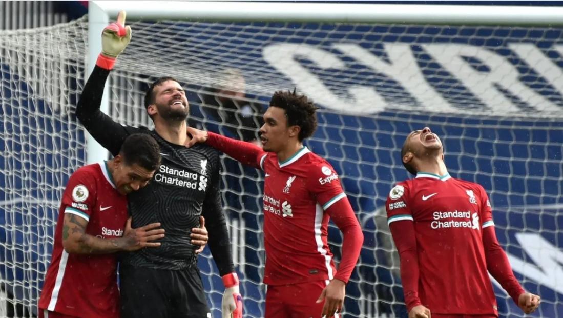 TIN HOT: Liverpool thắng nhờ thủ môn ghi bàn ở phút thứ 95