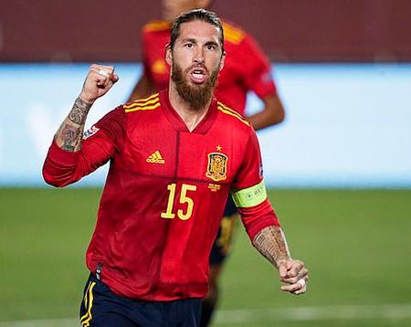 Sergio Ramos bị loại khỏi tuyển Tây Ban Nha tại Euro 2020