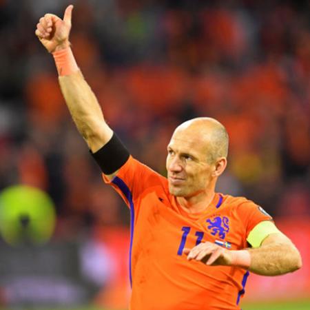 Arjen Robben tuyên bố giã từ sự nghiệp thi đấu chuyên nghiệp