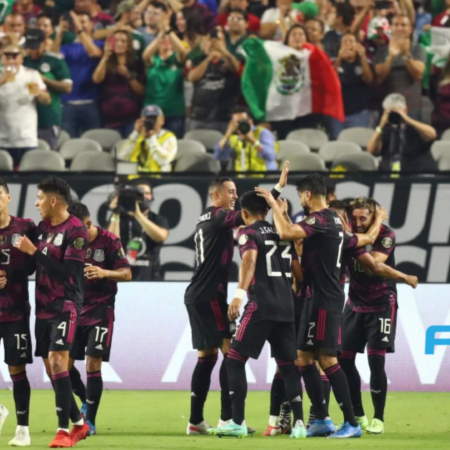 Kết quả Gold Cup: Mexico 2-1 Canada