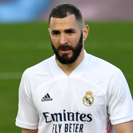Benzema đã ký hợp đồng mới với Real