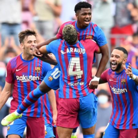 Barca giành chiến thắng thuyết phục trước Levante