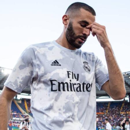 Benzema lập hat-trick chào đón người hâm mộ trở lại Bernabeu