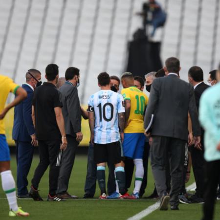Brazil gửi yêu cầu trừng phạt Premier League lên FIFA