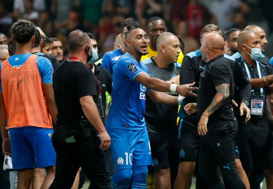 Bóng đá Pháp: Nice bị trừ 1 điểm vì để CĐV đánh cầu thủ Marseille