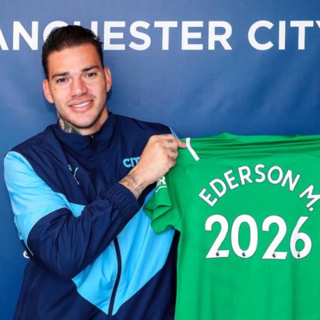 Ederson tiếp tục gia hạn hợp đồng với Man City