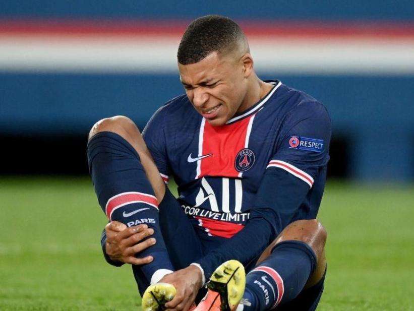 Mbappe bị tuyển Pháp trả về CLB vì chấn thương