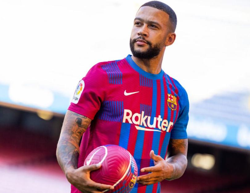 Depay không hối hận khi gia nhập Barca